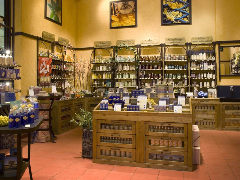 Prague tourist guide offer L'Occitane image2605