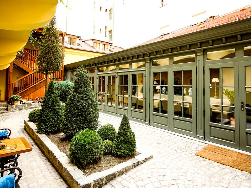 Prague tourist guide offer Grand Cru Restaurant & Bar image3910